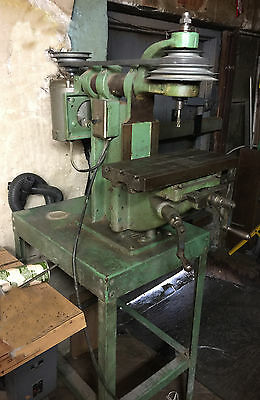 Benchmaster Vertical Milling Machine