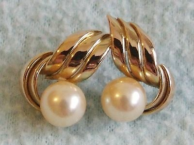 Vintage 1960s 9ct GOLD & Cream Real PEARL Earrings - For Pierced Ears - 3.2 g