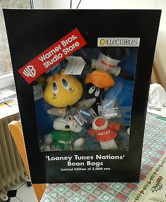 Collectables Warner Bros. Studio Store Looney Tunes Nations Bean Bags LE set