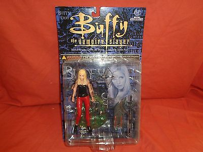 Buffy The Vampire Slayer Action Figure Moore Collectibles NIB 6'' 2000