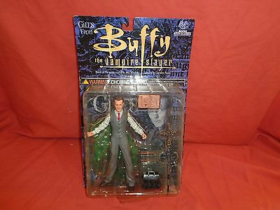 Giles  Buffy The Vampire Slayer Action Figure Moore Collectibles NIB 6''  2000