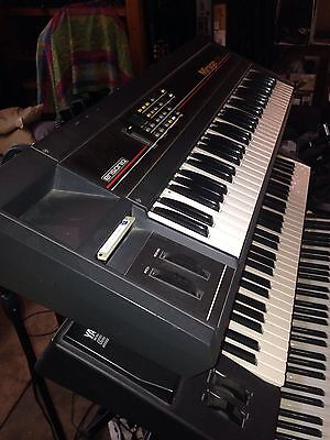 Ensoniq Mirage MIDI Sampler - With HardShell Case - Vintage!