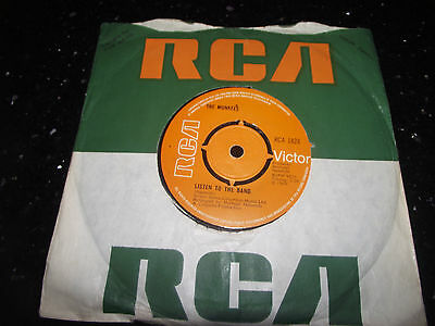 Mint- The Monkees Listen To The Band Uk Rca 1824 7 Inch Single 45 Listen Funky