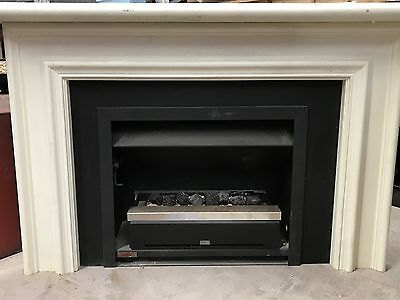 Jetmaster 700 Gas Box With Mantle