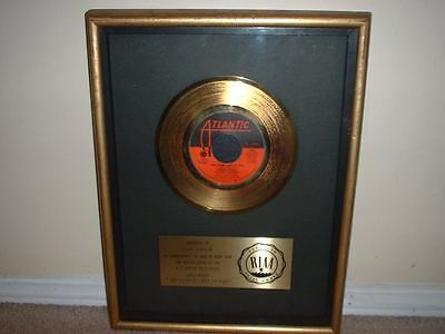 "Roberta Flack Riaa Gold Record Award 45 ""the Closer I Get To You"""