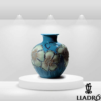 "Lladro 1008620 ""POPPY FLOWERS VASE (BLUE)"" 8620 Brand  New in original box"