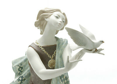 """Lladro """"ALLEGORY TO THE PEACE (60TH ANNIVERSARY) """"01008684 Women"""