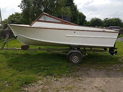 16ft fishing boat on trailer with 35hp outboard