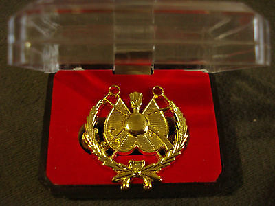 IRAQ/Iraqi Armed Forces Commanders Beret, Golden Pin Badge.From Iraq.