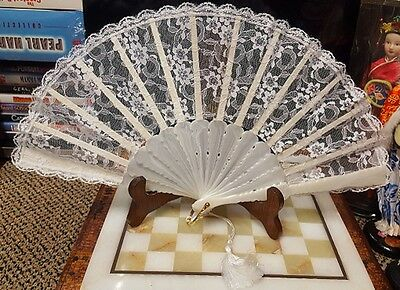 VINTAGE BEAUTIFUL MOTHER OF PEARL LACE WEDDING HAND FAN,MADE IN SPAIN, 20 x 38cm