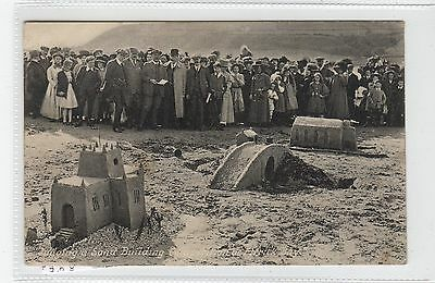 SAND BUILDING COMPETITION AT ETTRICK BAY: Isle of Bute postcard (C28093)