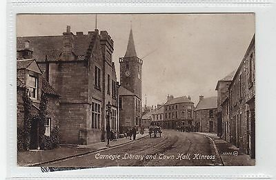 CARNEGIE LIBRARY AND TOWN HALL, KINROSS: Kinross-shire postcard (C28456)