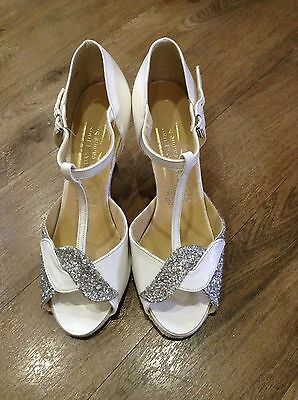 Junior Ballroom Latin Dancing Sandals Shoes White/silver Suede Sole Size 2.5 35