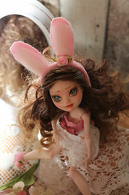 """OOAK Monster High/ Ever after high repaint Puppe- """"kleiner Hase"""" -Unikat"""