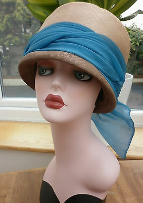 Stunning True Vintage Cream Straw Flapper Deco 1930 Hat With Blue Ribbon