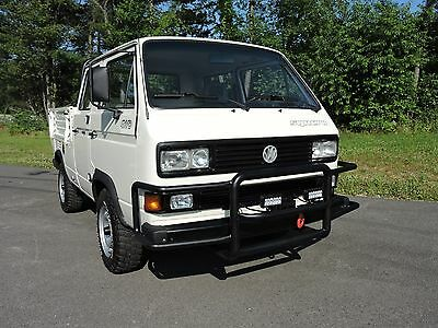 1992 Volkswagen Bus/Vanagon 4WD SYNCRO 16 Doka 5-Spd 1992 Doka SYNCRO 16. Winch. ALL 3 LOCKERS. Back Rack. SUPERB TRUCK. No Reserve.