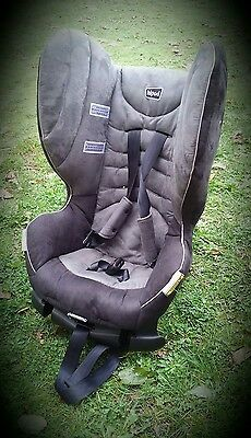 Child car seat - convertible, excellent condition