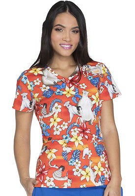 V-Neck scrub Top in Jungle Friends