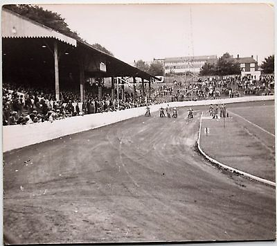 Photo-Photograph-Motorcycles-Bikes-Speedway-Team-Belle Vue-Race-Halifax-Dukes