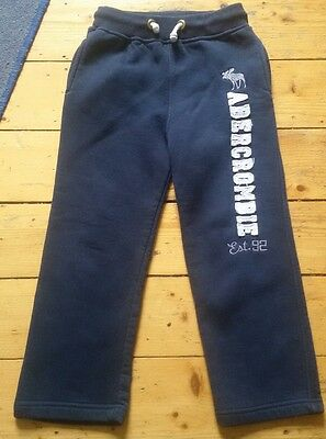 Girls abercrombie and fitch tracksuit bottoms size 152, fit age 10-11 short