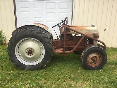FORD 8N TRACTOR WiITH TWIN-DRAULIC LOADER