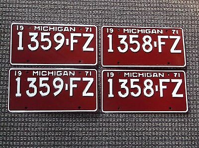 1971 MICHIGAN License Plate Pairs Consecutive Numbers  NOS