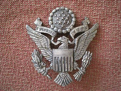 WW2 US AIR FORCE OFFICERS CAP BADGE by Luxenberg, England