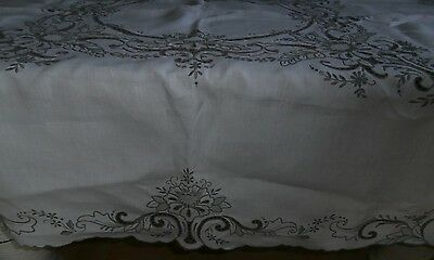 White/beige Vintage Embroidered/cutwork Tablecloth  122 X 125Cm. Vic.