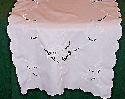 "LOVELY VINTAGE SNOW WHITE CUTWORK LINEN RUNNER, FLORAL DESIGN, 39"" LONG, c1930"