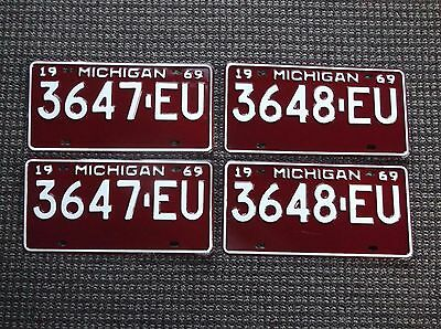 1969 MICHIGAN License Plate Pairs Consecutive Numbers  TRUCK