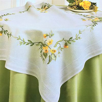 Deco-line embriodery tablecloth kit 80 x 80cm yellow green 11-463