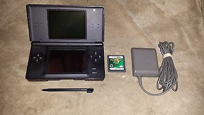 Black (Onyx) Nintendo DS Lite system & Game