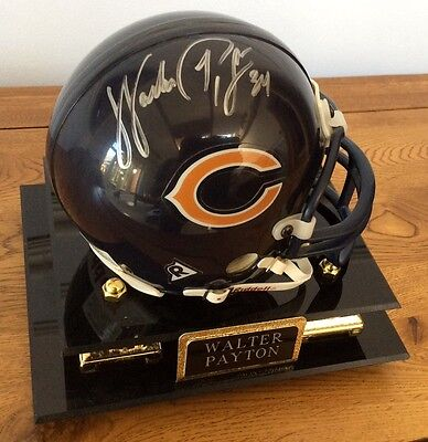 WALTER PAYTON 34 Chicago Bears Signed Mini Helmet