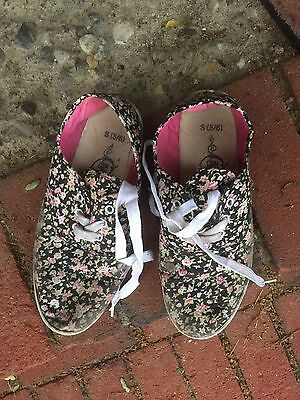 Trashed Womens Shoes