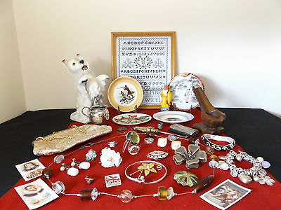 Beautiful Vintage Job Lot Of 35 Collectable Items - Porcelain, Jewellery.