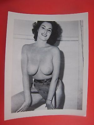 Orig. 1950S 5X4 Pinup Photo..# 549-44..busty  ..nude,risque..
