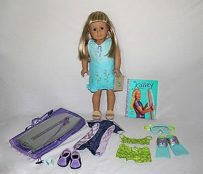 American Girl Doll: KAILEY(doll of the year 2003). Original accessories and book