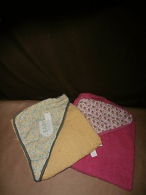 "Nwt-Set of x2 Baby Hooded Towels.26.5"" x 25.5"" Terry Hooded Towels.Pink & Yellow"