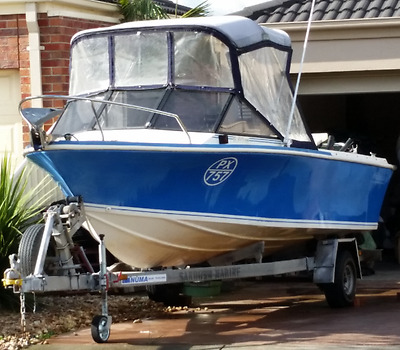 Streaker 5.02 Boat, Trailer and Johnson 90hp OceanRunner Outboard Motor