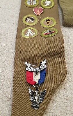 BSA Eagle Scouts Award Sash 1940 to 1950s vintage edition medal  Robbins Type D