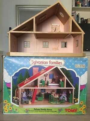 Vintage Sylvanian Families Deluxe Family House VERY RARE WITH BOX