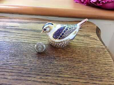 Beautiful Royal Crown Derby Goldcrest Paperweight Bird -Silver Stopper