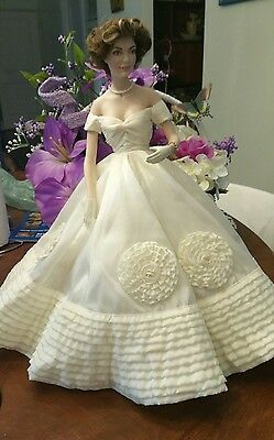 Franklin Mint Heirloom Jacqueline Kennedy Wedding Bride Porcelain Doll #E9668