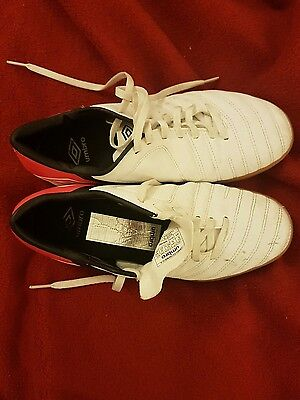 umbro white/black/high risk red USA size 9 football boots