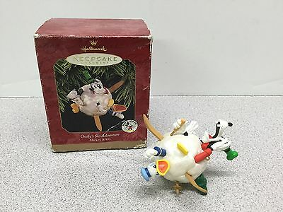 Hallmark Keepsake Ornament - Disney Goofy's Ski Adventure Mickey & Co. 1997(10)