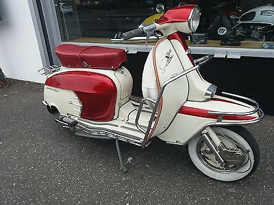 Genuine Italian Lambretta Li125 - SX200 look-a-like - 200 reg as 125