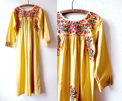1970s Vintage Oaxacan dress / Mexican embroidered dress / bohemian tunic hippie