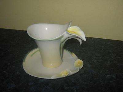 FRANZ Porcelain FZ00736 - TEA CUP AND SAUCER - CALLA LILY excellent condition