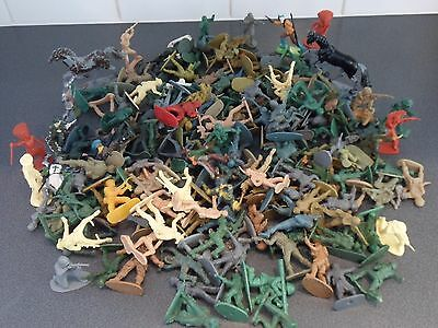 Bundle of Vintage Plastic Soldiers, Knights, Horses, Cowboys and Indians