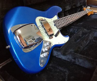 Jazz Bass style artisan luthier Lake Placid Blue active